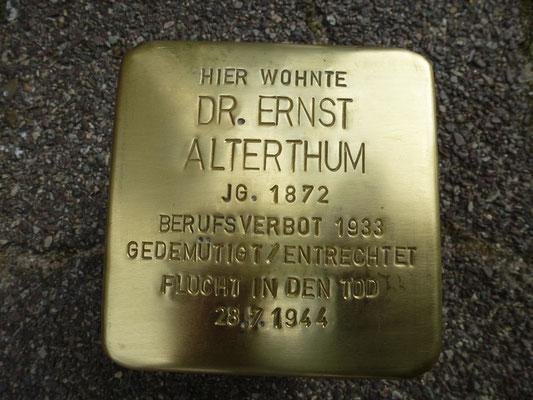 Seldeneckstrasse 11, Dr. Ernst Alterthum