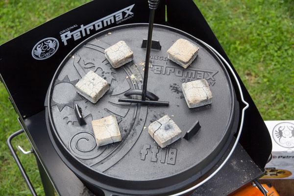Outdoorcooking gusseiserner Feuertopf von Petromax