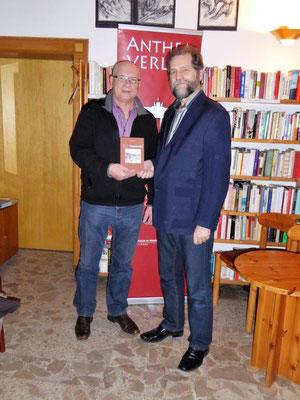 Johann Enderle im Lessinghaus Berlin mit Verleger Detlef w. Stein, Dezember 2016