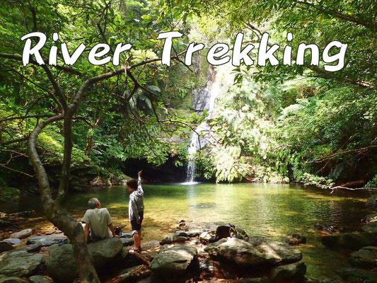 リバートレッキングツアー river trekking tour