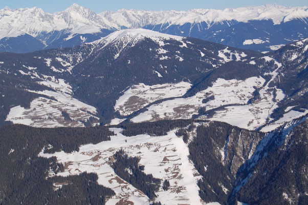 Skigebiet Kronplatz von Piccolein Gadertal aus  31.12.2008