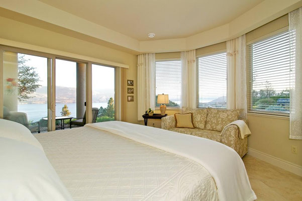 West Kelowna Boutique B&B, Lakeview Suite