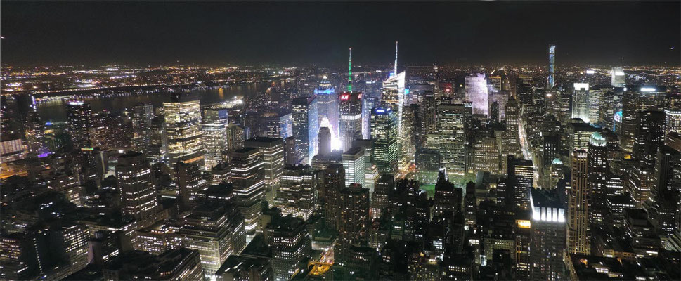 Manhattan bei Nacht vom Empire State Building