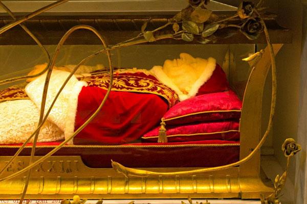 Reliquienschrein von Papst Johannes XXIII. am St. Hieronymus-Altar des Petersdoms