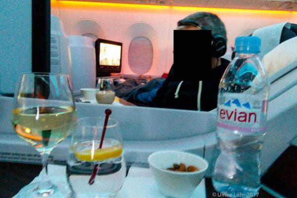 an Bord des Qatar Airways A350-900