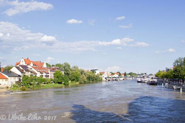Regensburg - an der Steinerne(n) Brücke