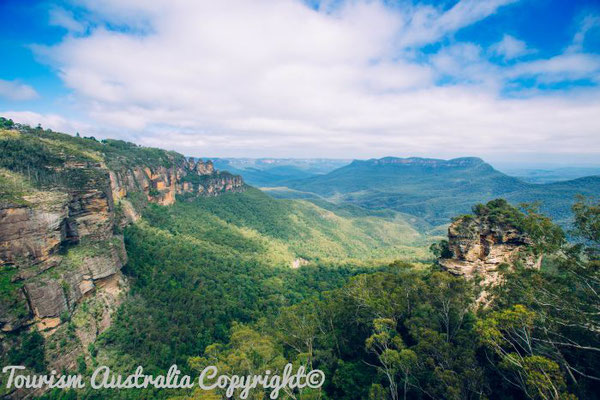 The Three Sisters vom Echo Point, Blue Mountains National Park - Tourism Australia