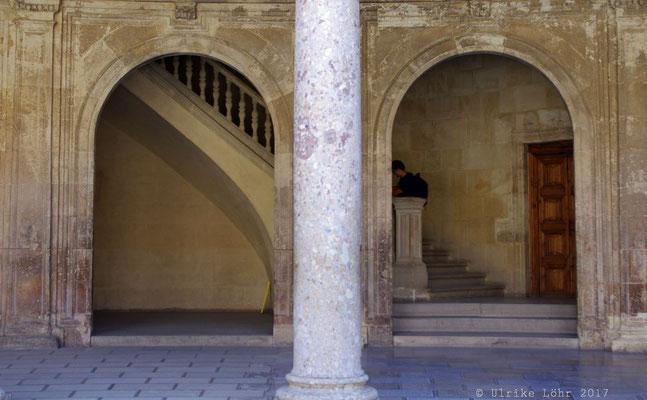 Treppenaufgang im Palast Karls des Fünften
