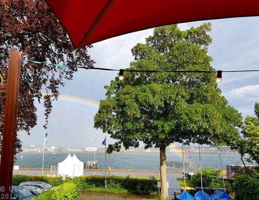 Lagom Kiel Blick auf die Förde und den Regenbogen