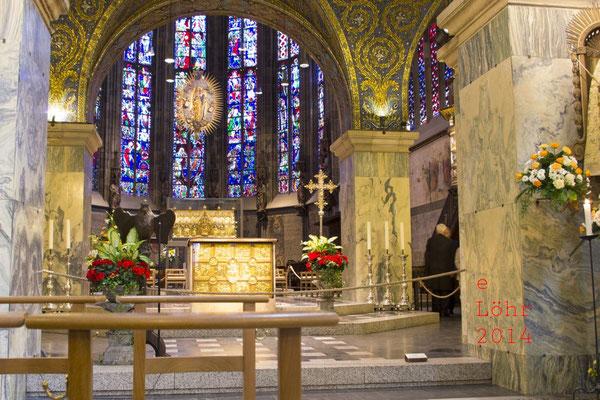Altarraum des Aachener Doms