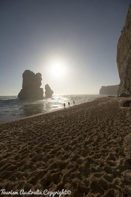 Twelve Apostles Great Ocean Road - Tourism Australia