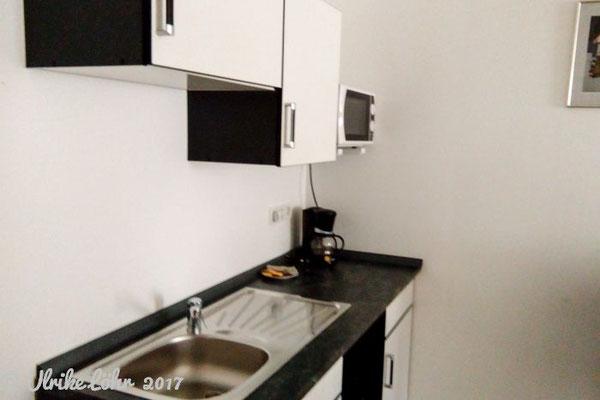 Pension am Donaubogen - kleine Küchenzeile im Zimmer