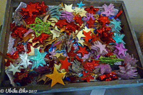 Dekorationsmaterial in verschiedenen Farben