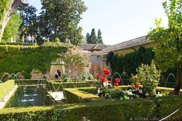 Zypressenhof im Generalife der Alhambra