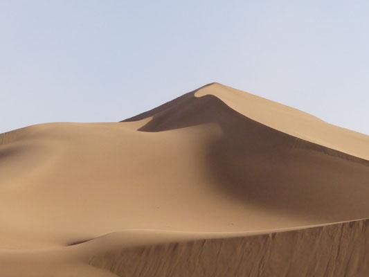 Wüstenlandschaft Sahara - (C) Gina&Marcus