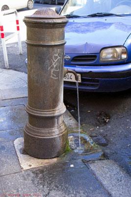 Nasone - einer der allgegenwärtigen Wasserspender Roms