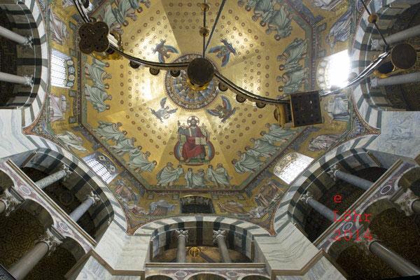 Oktogon des Aachener Doms