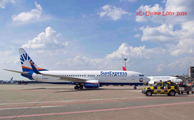 D-ASXA SunExpress Germany Boeing 737-8Z9(WL) (trug früher den Namen des Sängers  Freddie Mercury)