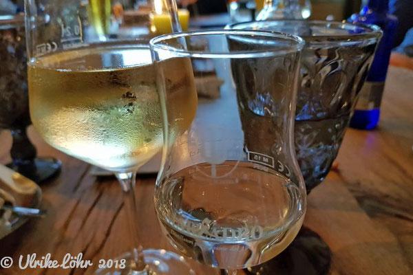 Wein, Wasser, Grappa