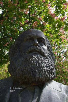 ... nein, nicht Fontane: Karl Marx