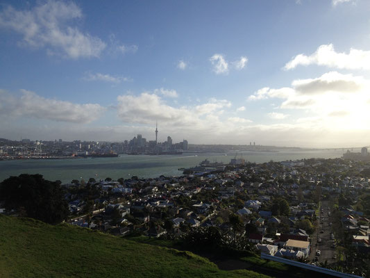 Blick vom Mount Victoria (Devonport) auf Auckland
