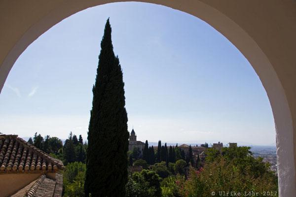 Blick aus dem Generalife der Alhambra