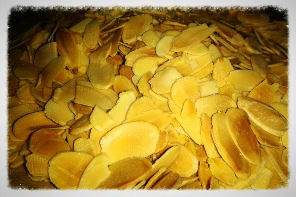 Mandelblättchen, im Ofen geröstet