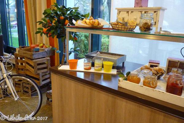 Frühstück im Park Inn Köln City West
