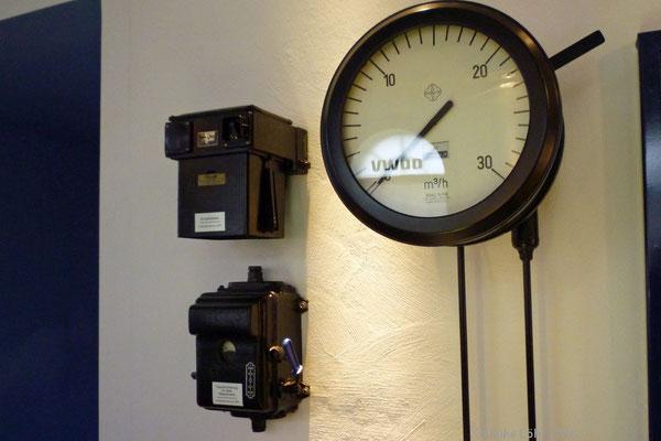 alte Wasserzähler im Wasserwerk Infohaus auf Langeoog