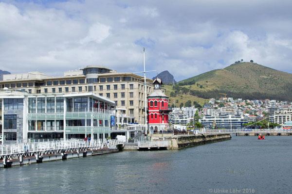 V&A Waterfront mit dem Mandela Gateway