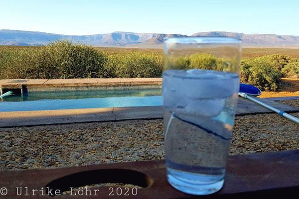 Gin auf der Terrasse der Elandsberg Cottages