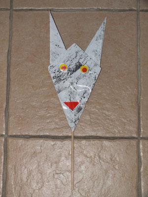 tête de diable en pliage papier avec gommette, sur baton (style marionnette)