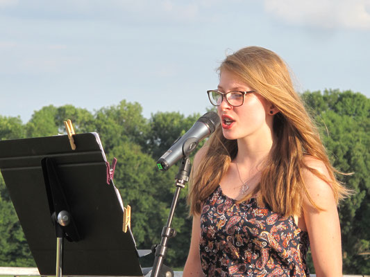 Emma sur scène