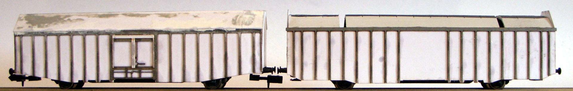 Interimsaufnahme der beiden Waggons während der Bauphase