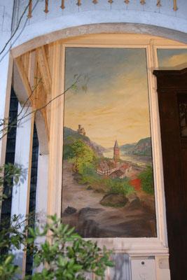 Nach der Restaurierung. Das Bild wurde um die fehlende untere Fläche ergänzt und in der ursprünglichen Farbigkeit neu gemalt.