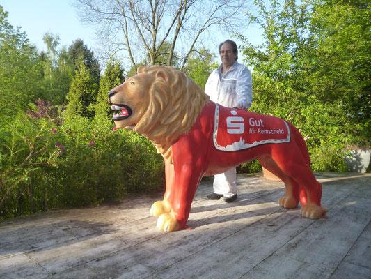 Der fertige Löwe für die Stadtsparkasse Remscheid.