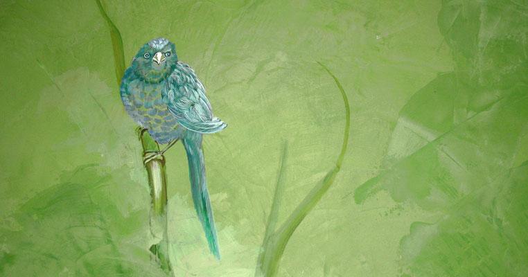 Das Detail zeigt den gemalten Vogel.