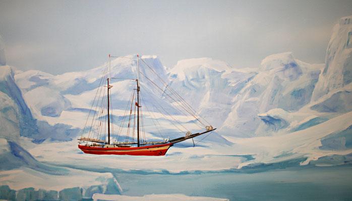 Ein festgefrorener Schoner im Eis.