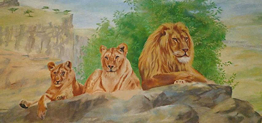 Bemaltes Rollo mit ruhenden Löwen