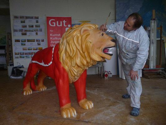 Arbeit an der »Löwenparade« der Stadt Remscheid.