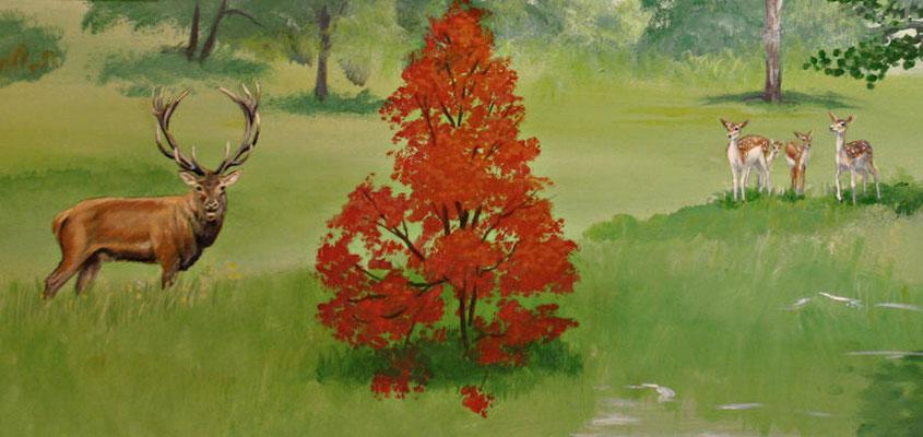 Detailansicht des Landschaftsparks mit Hirsch und Kitzen.