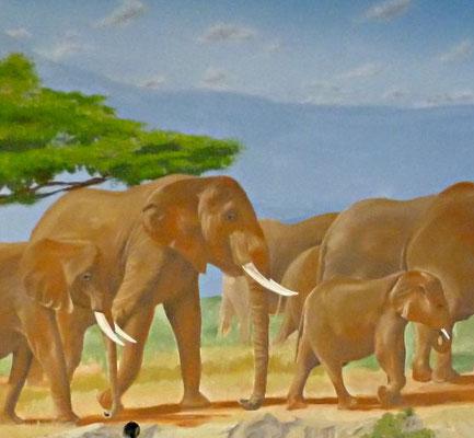 Wandbemalung mit einer Herde afrikanischer Elefanten.