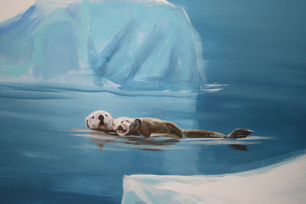 """Wandmalerei """"Eiswelten"""" Ein Fischotterweibchen treibt entspannt mi ihrem Jungen zwischen den Eisschollen."""