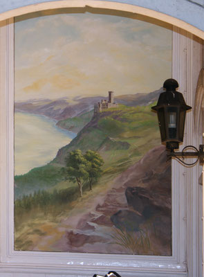 Das neue Bild mit der Darstellung des Rheintals mit Burg Katz im frühen Morgenlicht.