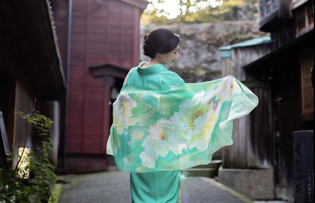 UESAKA 新・加賀友禅プロジェクト 和柄スカーフと手書き加賀友禅着物
