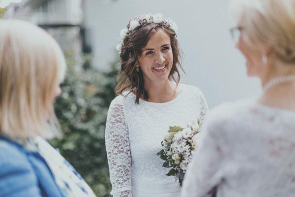 Real Bride 2021 Larissa Airbrush Make-Up Hairstyling Flower Crown