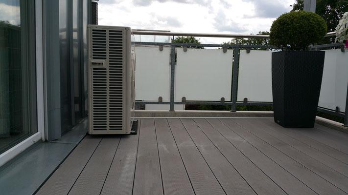 Klimaanlage auf dem Balkon