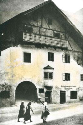 Ellerhaus, Pfunds/Postplatz 34