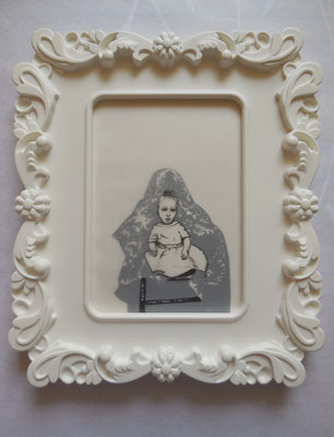 MUTTER GEIST No. II Graphite on Bütten & Transparent Paper, 18 x 13 cm (Frame 28 x 24 cm) 2014