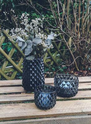 Vase mit Karorelief, glas, blau, 3 €